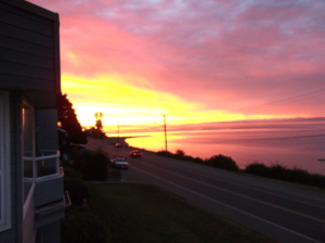 Sunset Qualicum Bay, Bowser Lighthouse Country